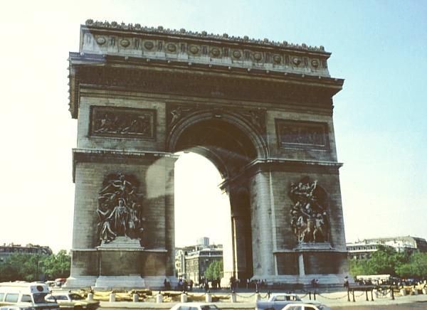 the arc de triomphe, paris france.