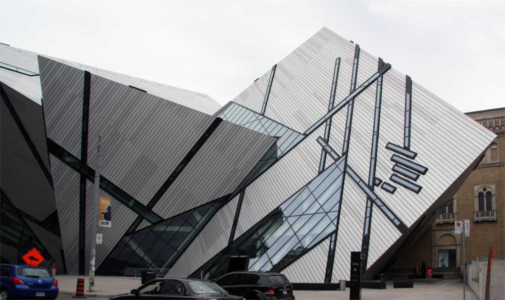 Canada >> Images of the Michael Lee-Chin Crystal, Royal Ontario Museum by Daniel Libeskind, 2007.