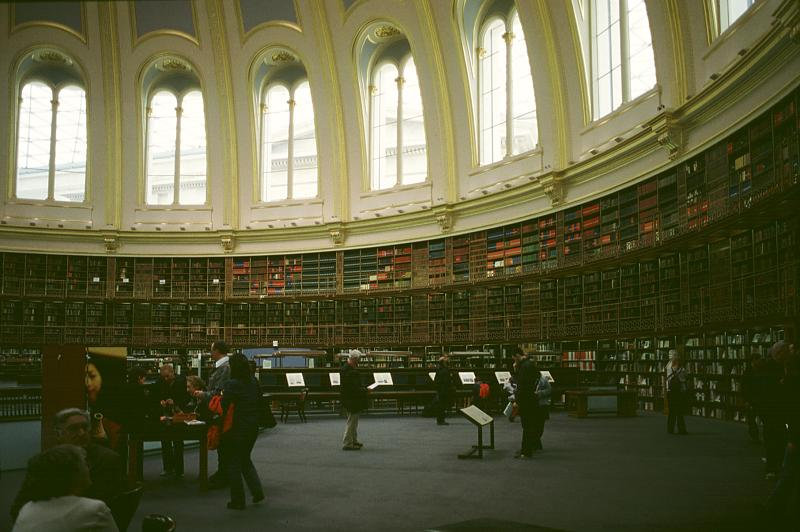 http://www.bluffton.edu/~sullivanm/england/london/britmuseum/readingroom3.jpg