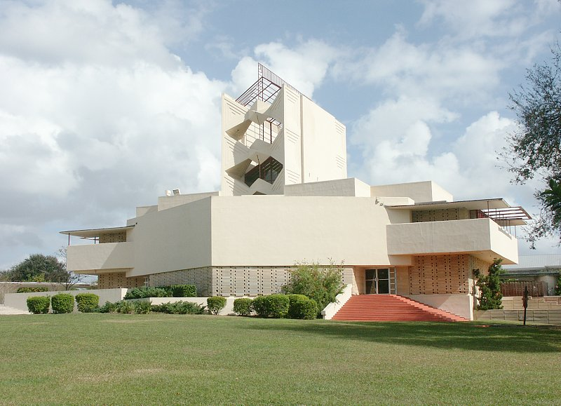 Florida southern college by frank lloyd