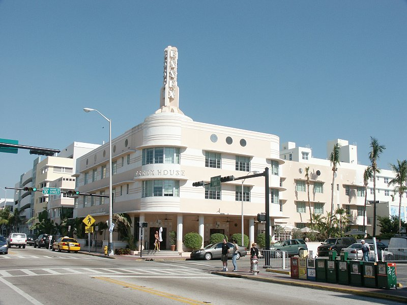 Hotel Essex House Miami