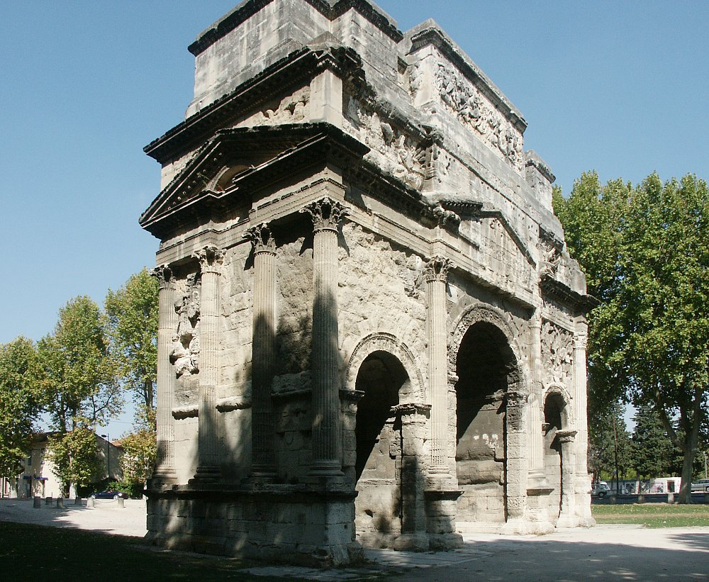 images of the roman triumphal arch at orange france