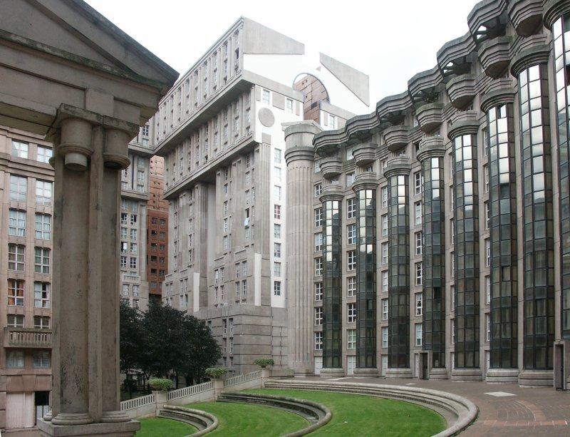 Les espaces d 39 abraxas social housing scheme by ricardo for Architecture francaise