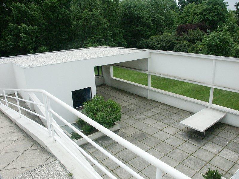 Terrasse Villa Savoye : Images of Villa Savoye by Le Corbusier