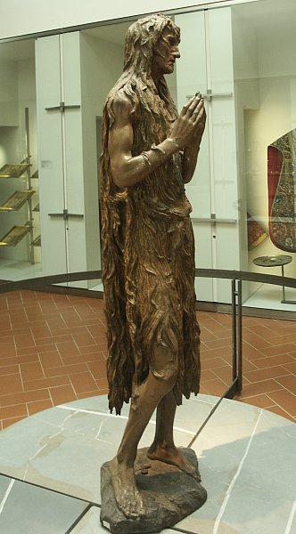 the sculpture of mary magdalene From allan kohl, donatello, mary magdalene (1454-1455), wood, 62 cm.