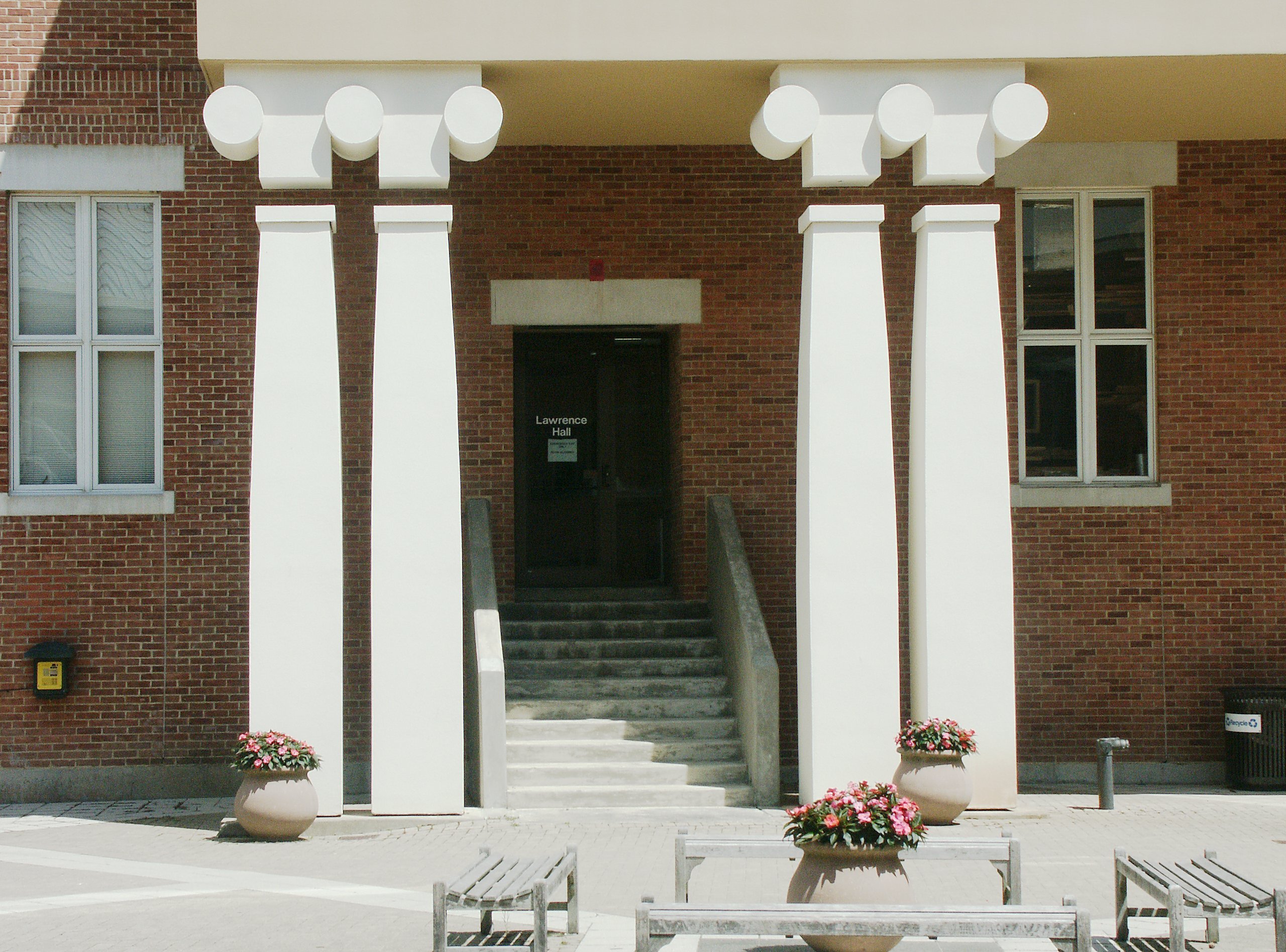 Modern Columns images of lawrence hall, williams college, charles moore