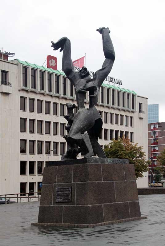images of public sculpture in rotterdam