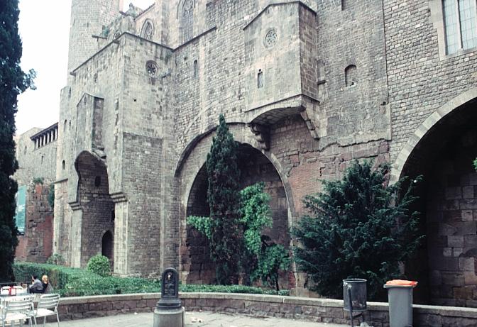 Roman walls, Barcelona