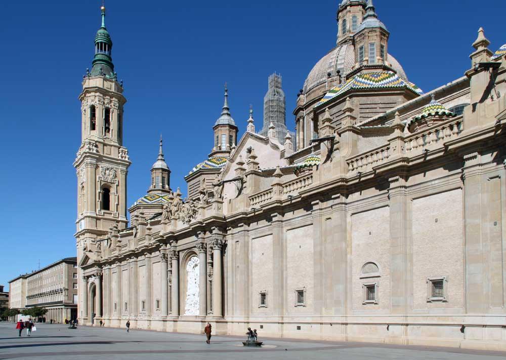 Basilica de Nuestra Senora del Pilar by various architects