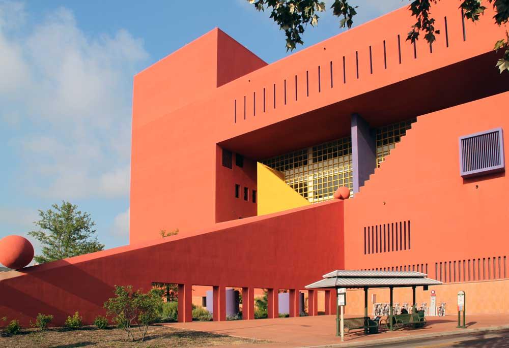 images of the san antonio central library by ricardo legorreta
