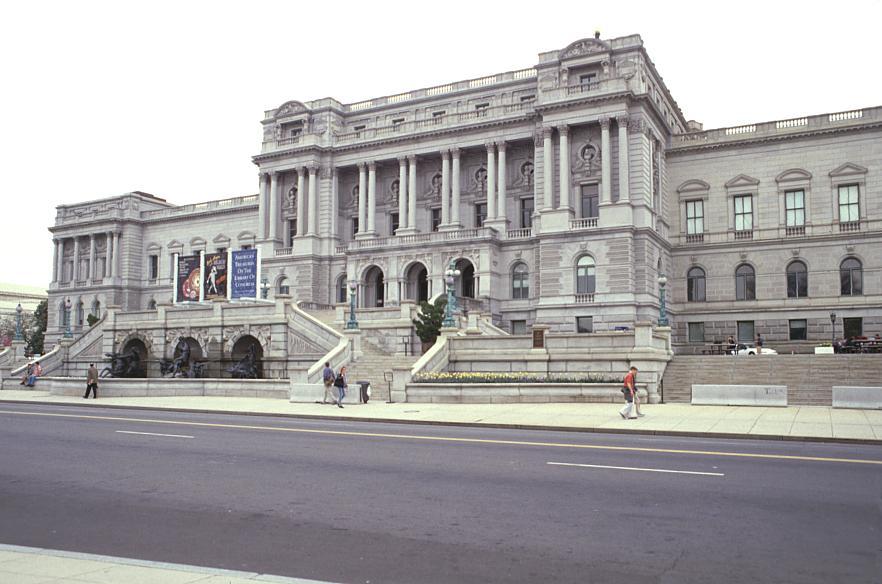 Library of Congress Frontdistant2