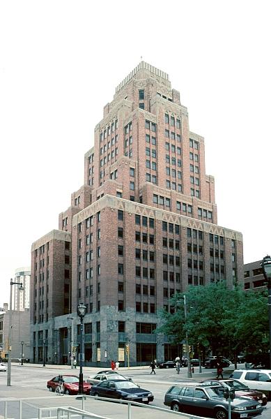art deco buildings. This 20-story Art Deco